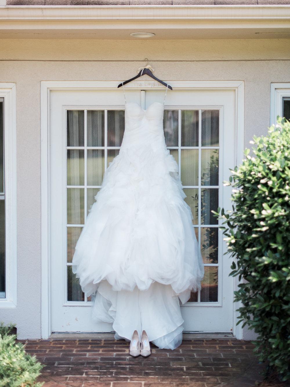 alexgreg-wedding-brideprep-christinadavisphoto12.jpg