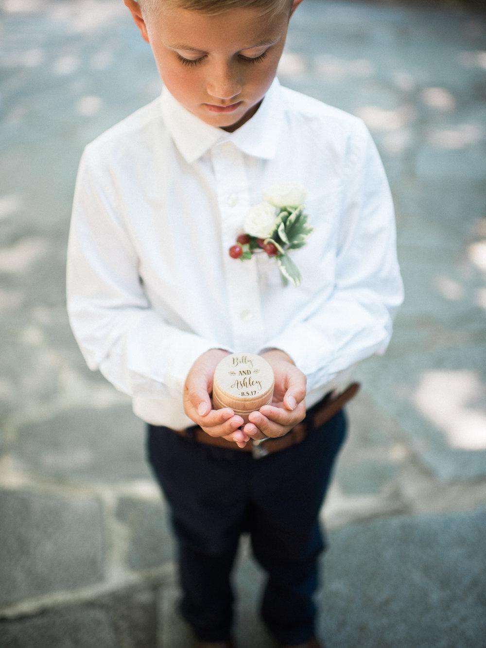 ashleybilly-wedding-groomprep-christinadavisphoto46.jpg