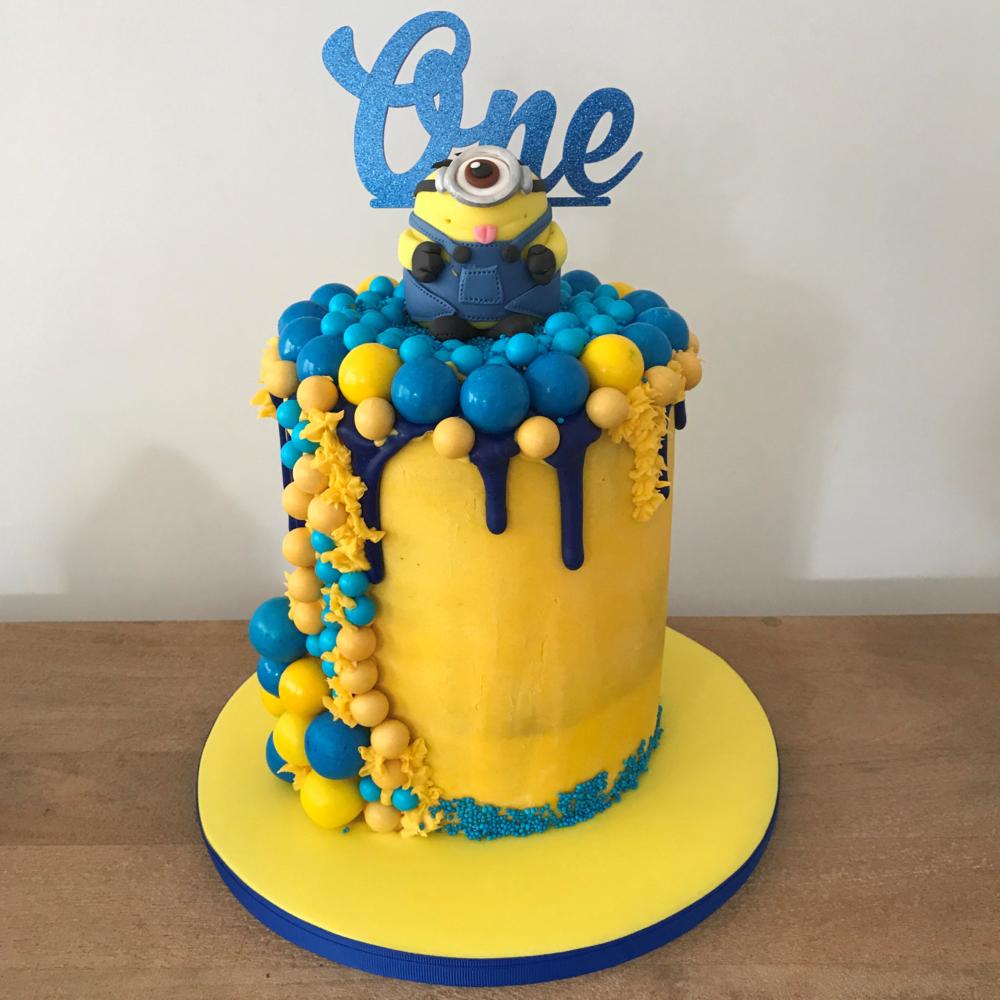 minions barrel cake.png