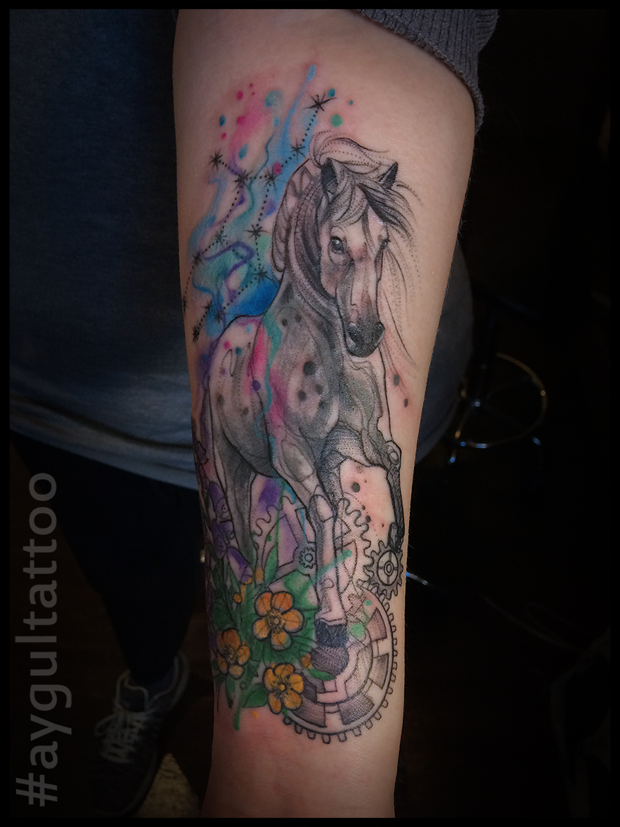 #horse #flowers #watercolor #aygultattoo