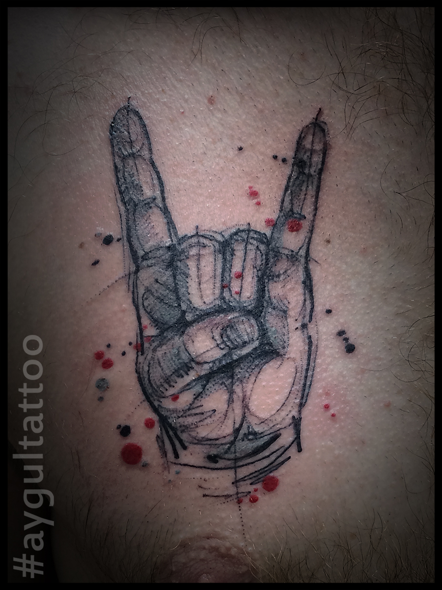 #rock #horn #sign #sketchy #aygultattoo