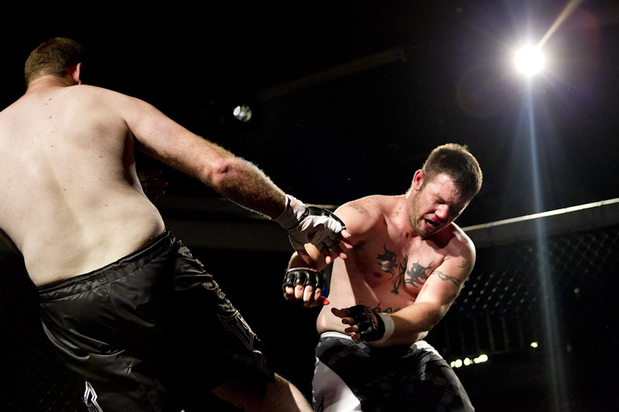 cage fight kick