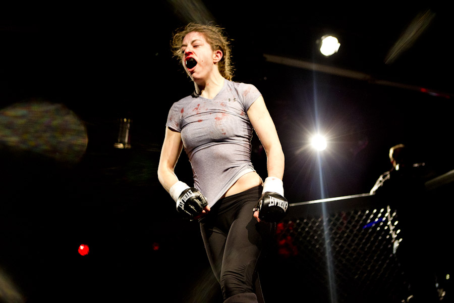 female cage fighter