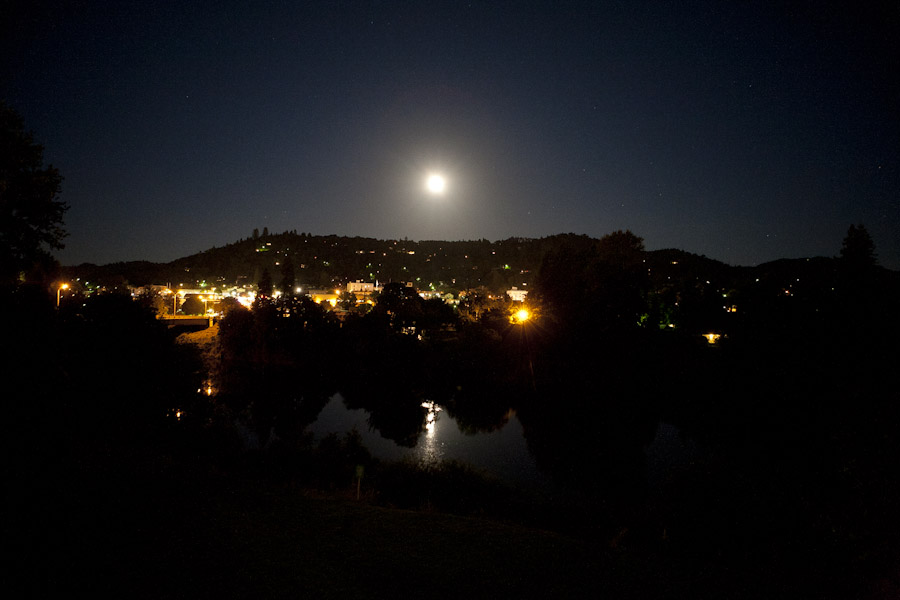 Roseburg, Oregon at night