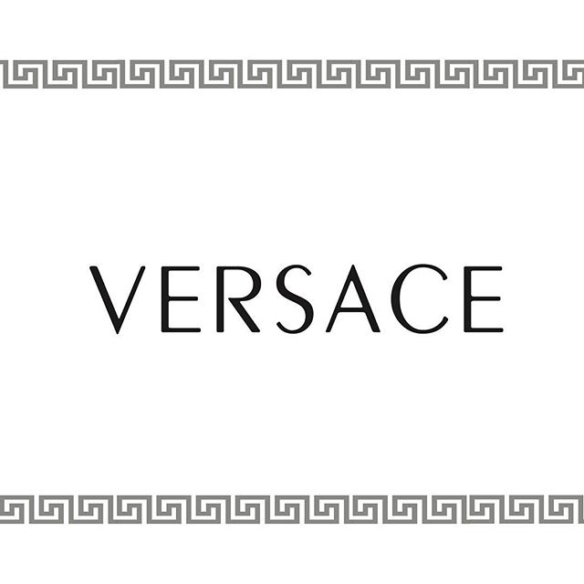We are loving the new campaign with all the supermodels for the Versace campaign . . . . @versace_official  #versace #versaceversace #hack #hackingcouture #versaceversaceversace #gianni #gianniversace #donatellaversace #avenuemontaigne #paris #milan #instasizebuen #love #life #enjoy #model #ootd #morning #fashion #style #stiling #unretouch #naturalbeauty #emotion #fashion