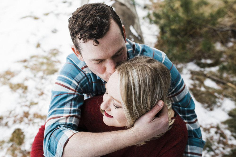 Bend-OR-Wedding-Photographer-Engagement-Couples-4.jpg
