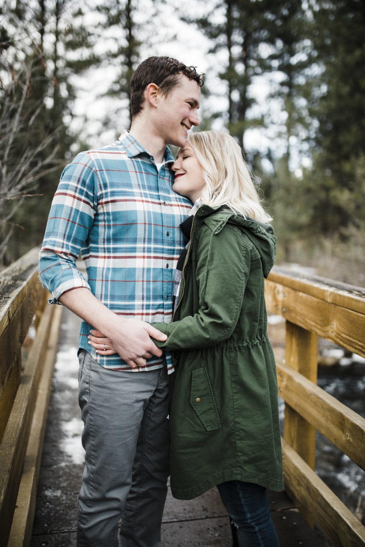 Bend-OR-Wedding-Photographer-Engagement-Couples-7.jpg