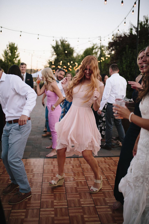 Bend-OR-Wedding-Photographer-24.jpg