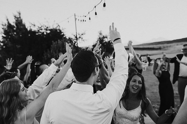 High fives it's Friday!!!! • • • • • • • #pnw #centraloregon  #bendor #bendoregon #inbend #mtorchiophotography #vsco #weddingphotographer #weddingphotography  #PNWedding #bestoforegon #vscocam #vscoauthentic #oregonbride #thatpnwlife #westcoast #bendbride #centraloregonweddings #bendbridalguide #wedventuremagazine #oregonwedding #fineartoregonwed #oregonweddingphotographer #chasinglight #thebloomproject #subjectlight #lightinspired #thephotographerwithin #lookslikefilm #oregonweddingphotographer