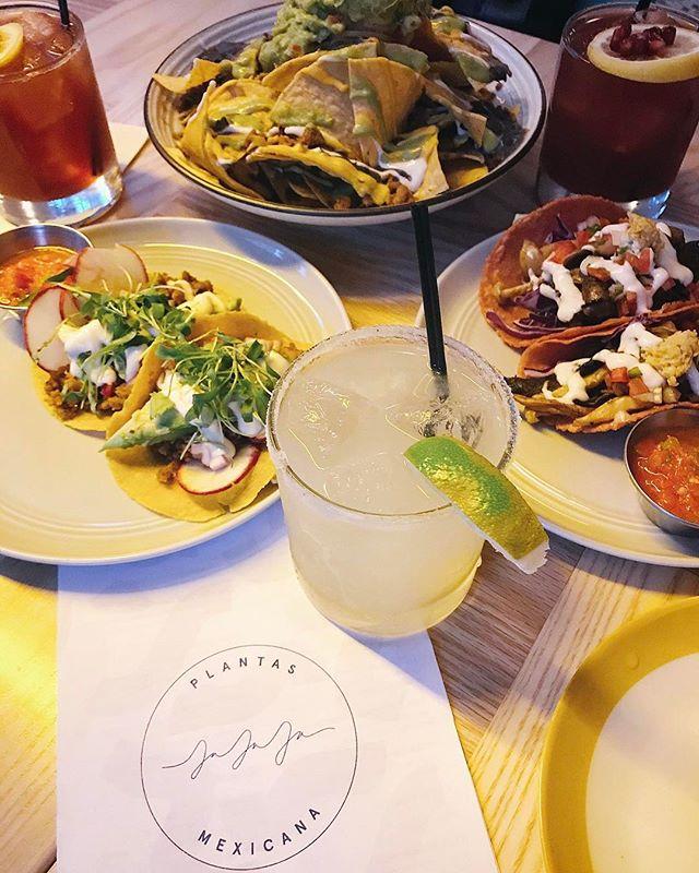 "Vegan ""chorizo"" nachos, shroom tacos, and jalapeño pomegranate margaritas 🌶🌮🍹 Took the girls to my new favorite spot: @jajajanyc 💃🏻 #nyceeeeeats #jajajanyc #jejeje"