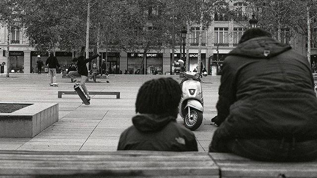 . . . . .  #film #35mm #paris #france #skateboarding #nikon #nikonf3 #kodak #tmax400 #pushedfilm #selfdevelop #streetphotography #justgoshoot #analogfeatures  #sharefilm #shootfilm  #buyfilmnotpixels #analog #filmisnotdead #keepfilmalive #shootfilmstaybroke #filmphotography