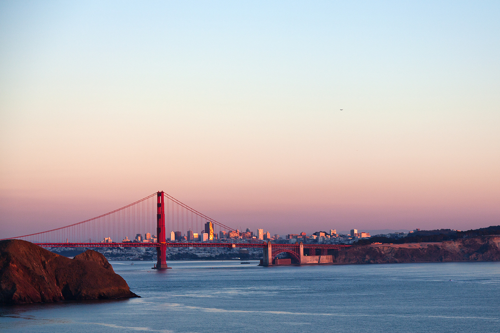 golden gate bridge pink sky at dusk san francisco travel photographer.jpg