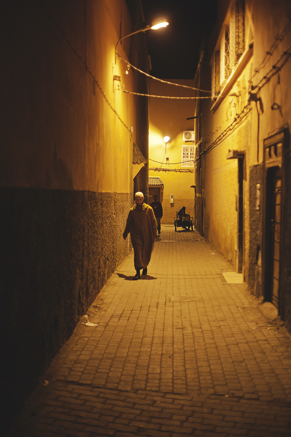 marrakesh-back-alley-at-night-travel-photographer.jpg