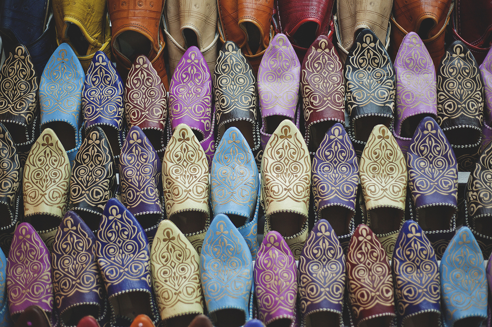 leather-slippers-on-sale-jemaa-el-fnaa-souk-marrakesh-travel-photographer.jpg