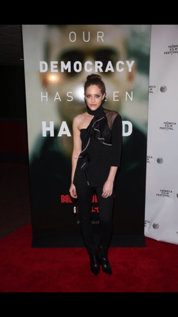 Carly chaikin red carpet.PNG