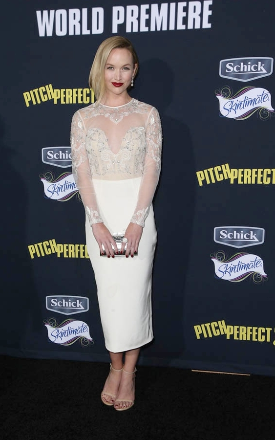 kelley-jakle-at-pitch-perfect-2-premiere-in-los-angeles_8.jpg