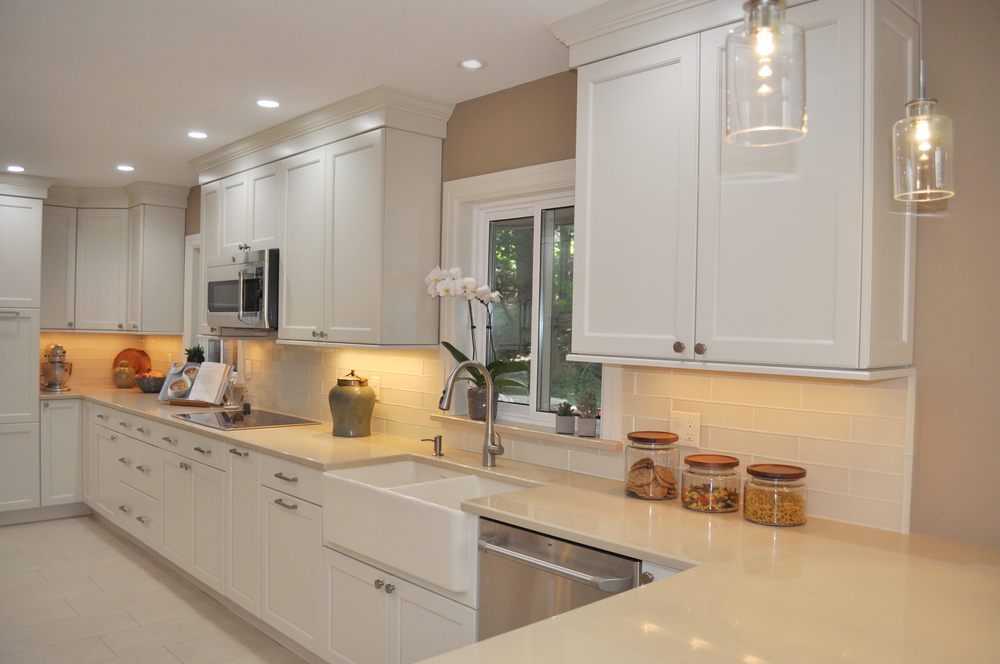 KAM DESIGN LLC_Kitchen Remodel_White Kitchen Cabinets_Modern Kitchen_Quartz Counters_Glass Backsplash_Farmhouse Sink_Westchester County Kitchen Renovation.jpg