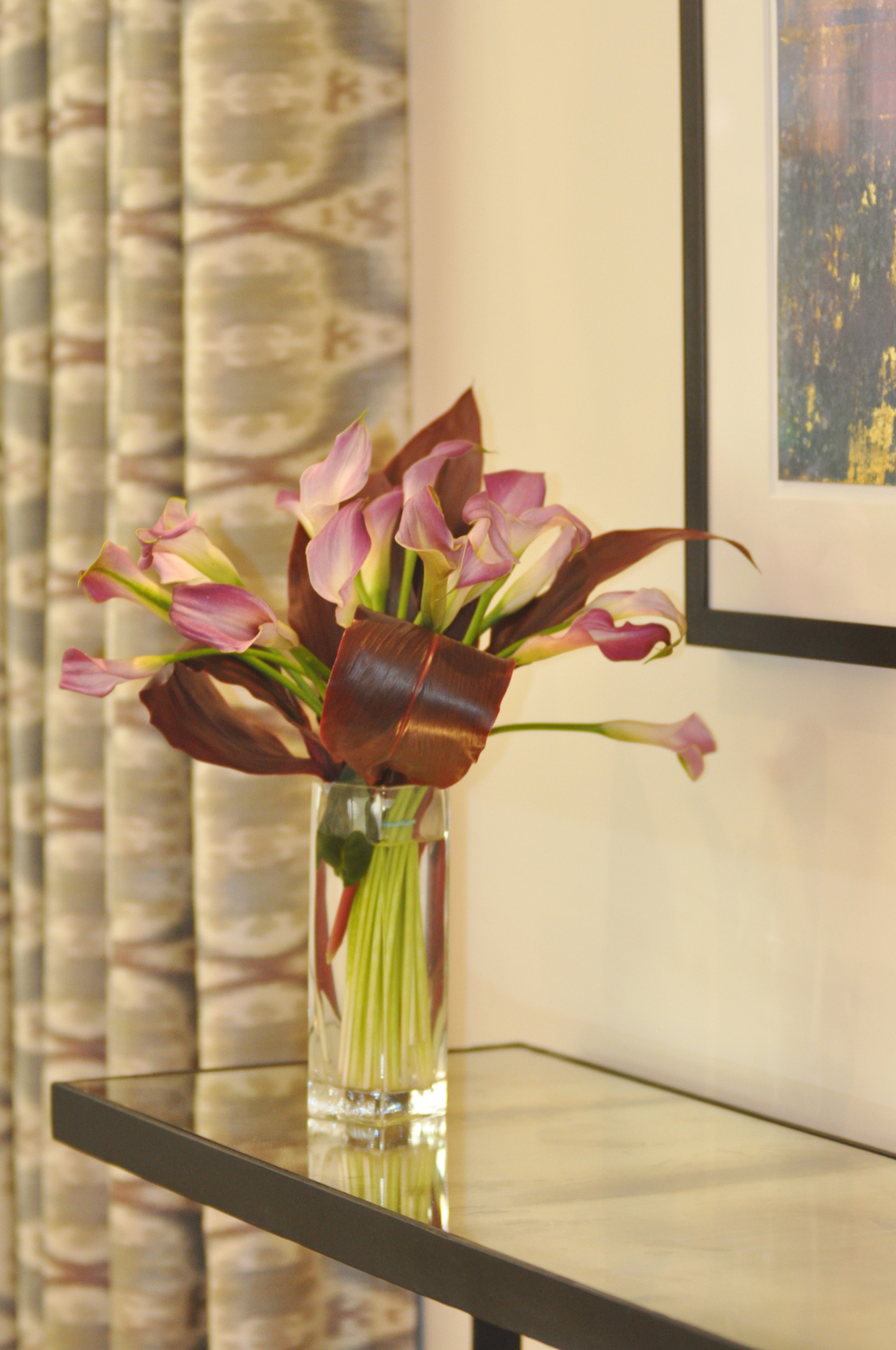 KAM DESIGN LLC_Living Room_Living Room Color Schemes_Living Room Art_Flower Arrangement - 2.jpg