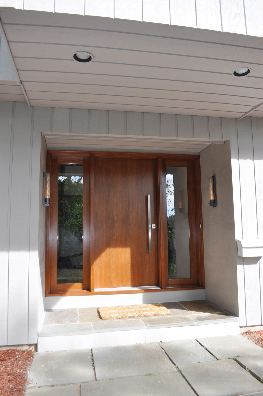 Front Door AFTER_Cherry Slab_Hubbardton Forge Sconces_KAM DESIGN.jpg