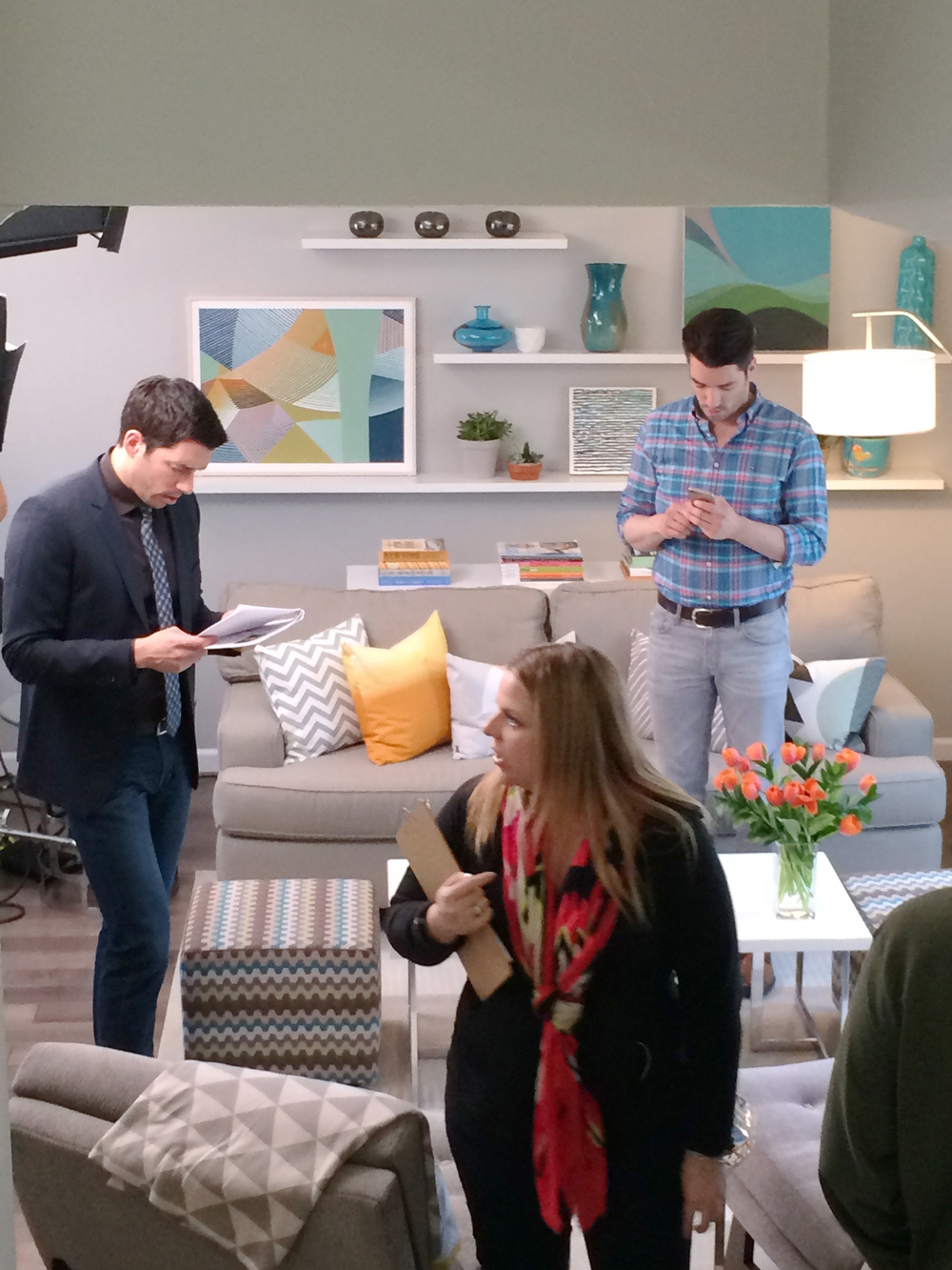 HGTV_Buying and Selling with The Property Brothers_Season 3_Episode 316_Behind The Scenes (2).jpg