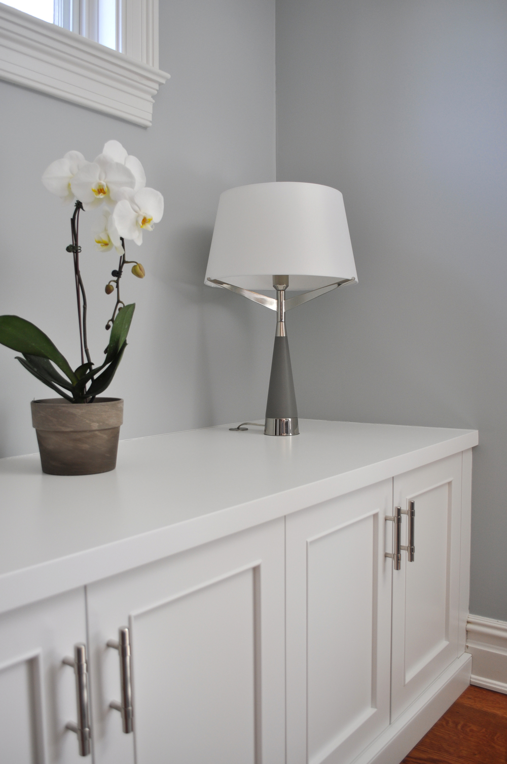KAM DESIGN_Mamaroneck NY_Contemporary Family Room_Close-up_Custom White Painted Millwork_Arteriors Table Lamp_Interior Designer Kim A Mitchell_2016 for Web.jpg