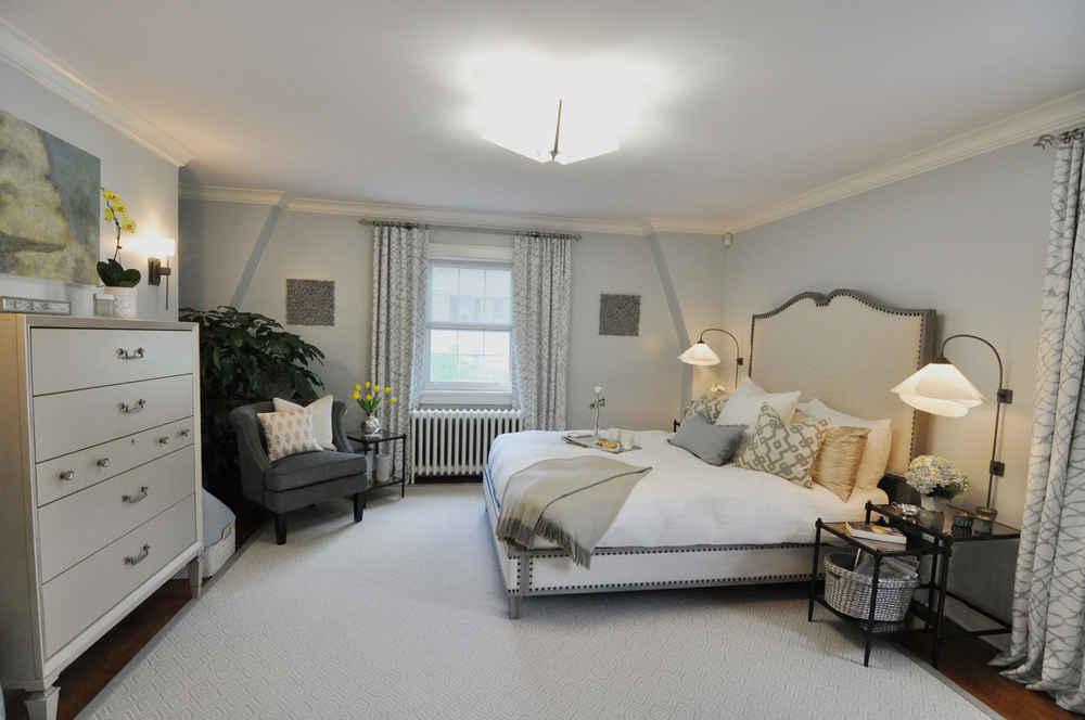 Kim Mitchell Design Lead_HGTV_Buying and Selling with The Property Brothers_Season 5_Episode 8_Timeless Master Bedroom Design_Wide_8_31_2016 Airdate.jpg
