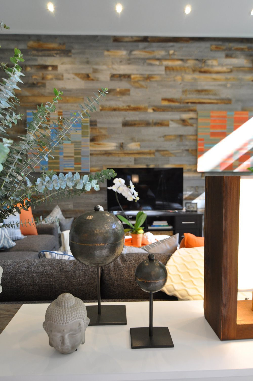 Kim A Mitchell_Design Lead_HGTV_The Property Brothers_Season 6_Episode 9_Console Close-up_Buddah_Accessories_2017_Global_Modern.jpg
