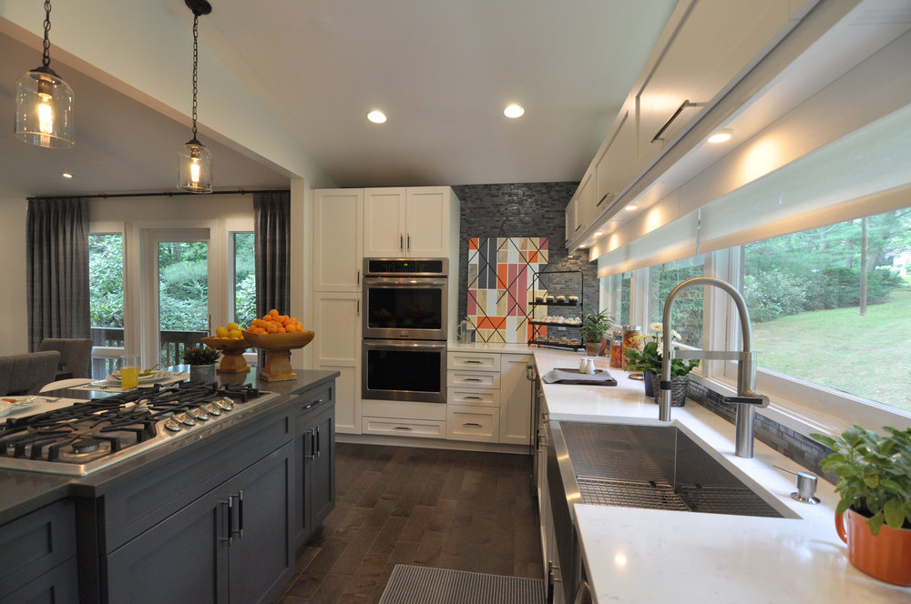 Kim A Mitchell_Design Lead_HGTV_The Property Brothers_Season 6_Episode 9_Modern Kitchen_Blue Glass Backsplash_Dining Room Design_2017.jpg