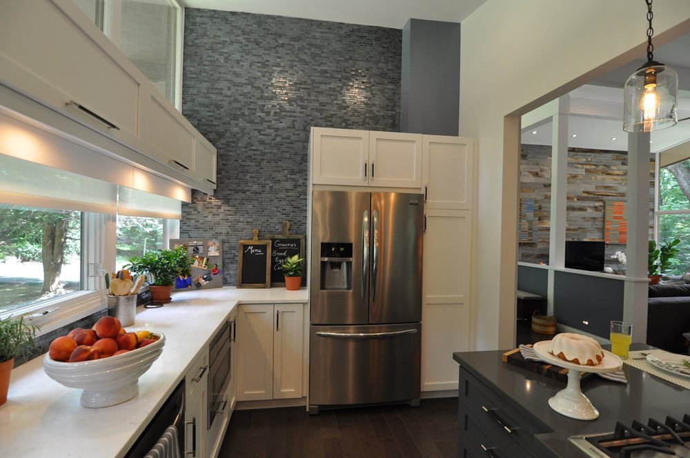 Kim A Mitchell_Design Lead_HGTV_The Property Brothers_Season 6_Episode 9_Modern Kitchen_Island_Glass Pendants_2017.jpg