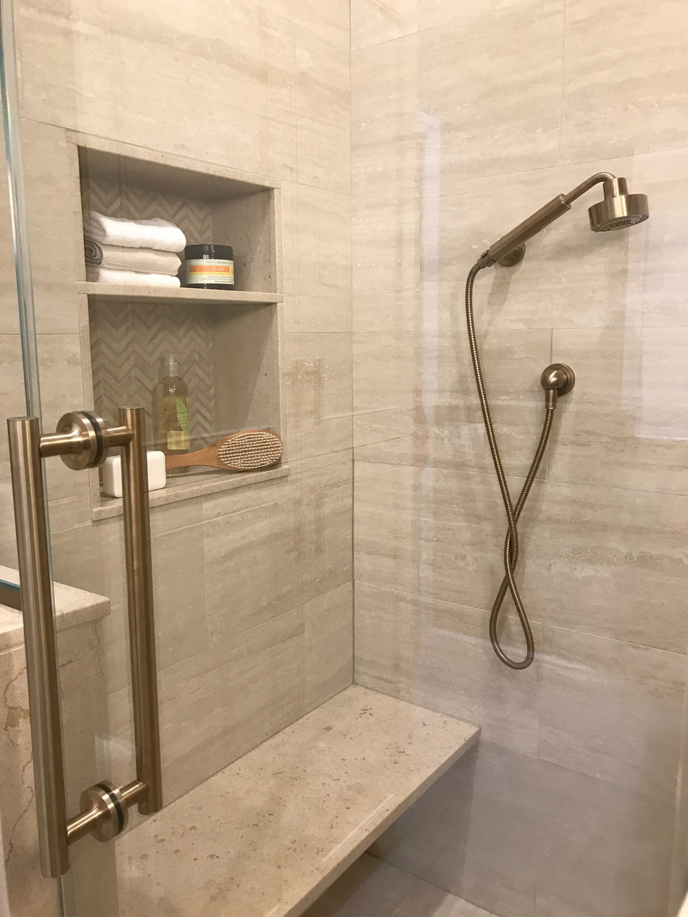 KAM Design_MasterBath_Shower_Niche_GlassDoor_Pleasantville_2017 - 17.jpg
