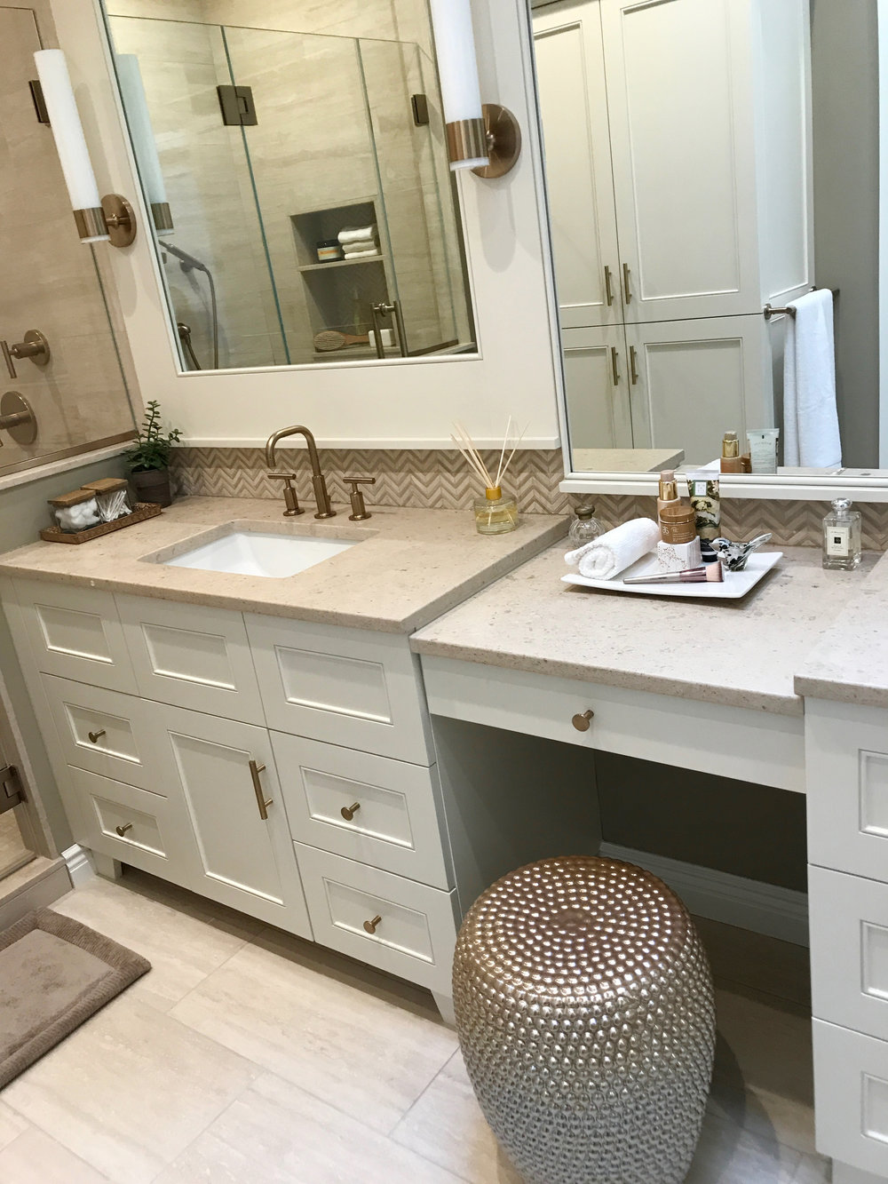 KAM Design_MasterBath_Vanity_Mirror_Sconces_MakeupTable_Pleasantville_2017 - 8.jpg