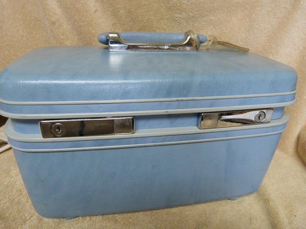 blue samsonite train case.jpg