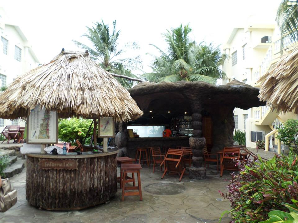 Bars, Belize