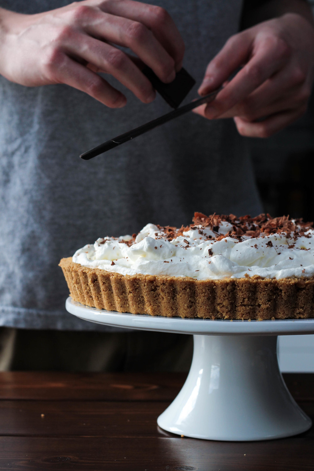 Homemade Dulce de Leche || Banoffee Birthday Pie || A classic British inspired dessert! Digestive biscuit crust, dulce de leche (or caramel), banana, whipped cream + shaved chocolate. Toffee + Bananas are a dream come true! Easy to make and only six ingredients. || creamandhoney.ca