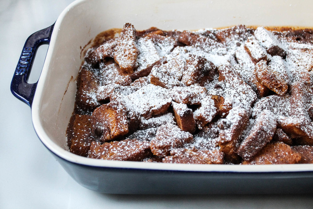 Pumpkin Chocolate Bread Pudding – This simple Fall dessert recipe is perfect for Thanksgiving and SO delicious! Vegan and easy to make! || creamandhoney.ca