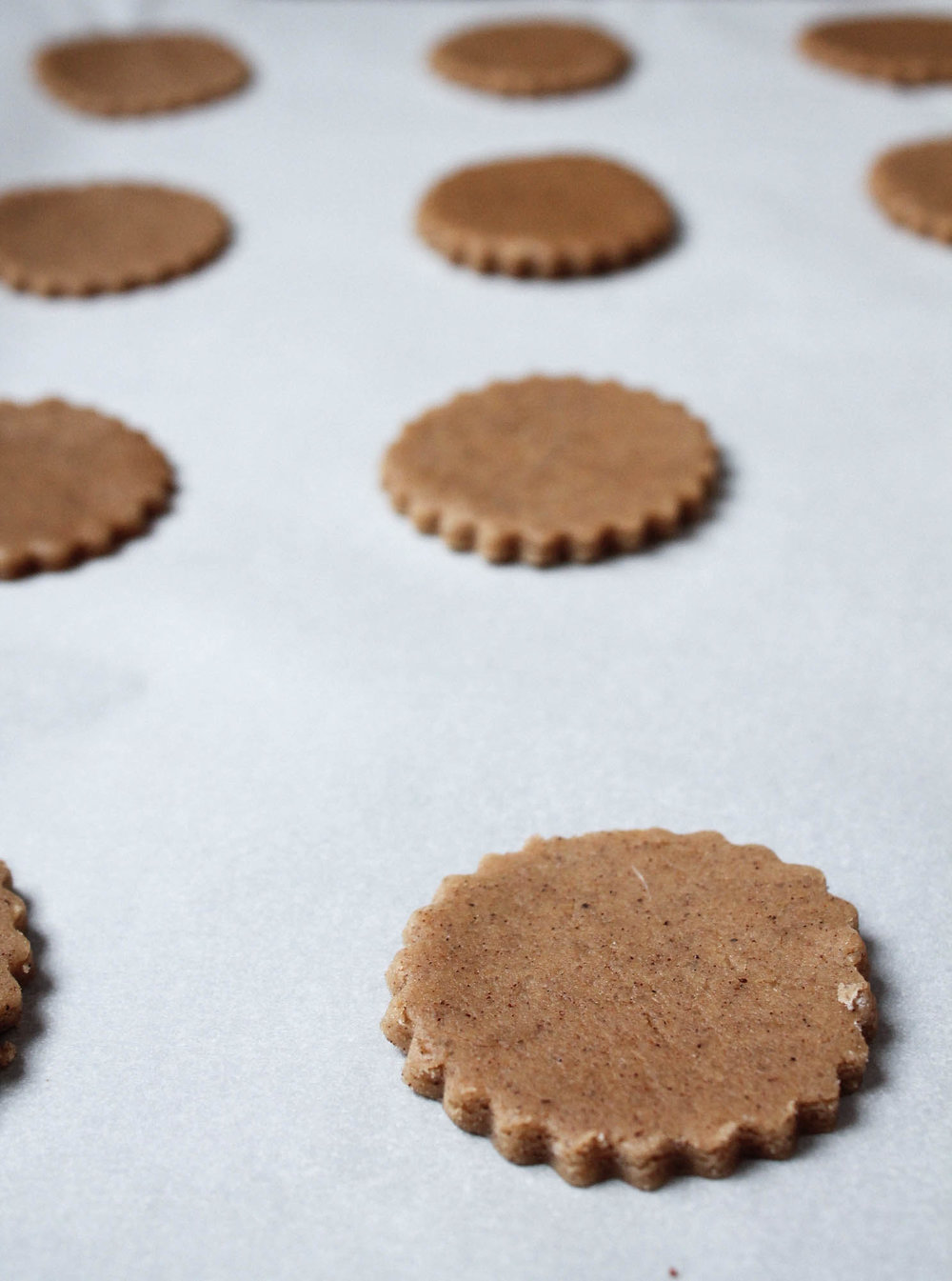 Chai Sugar Cookies || This easy cookie recipe are perfect for Christmas and dunking in tea. || www.creamandhoney.ca