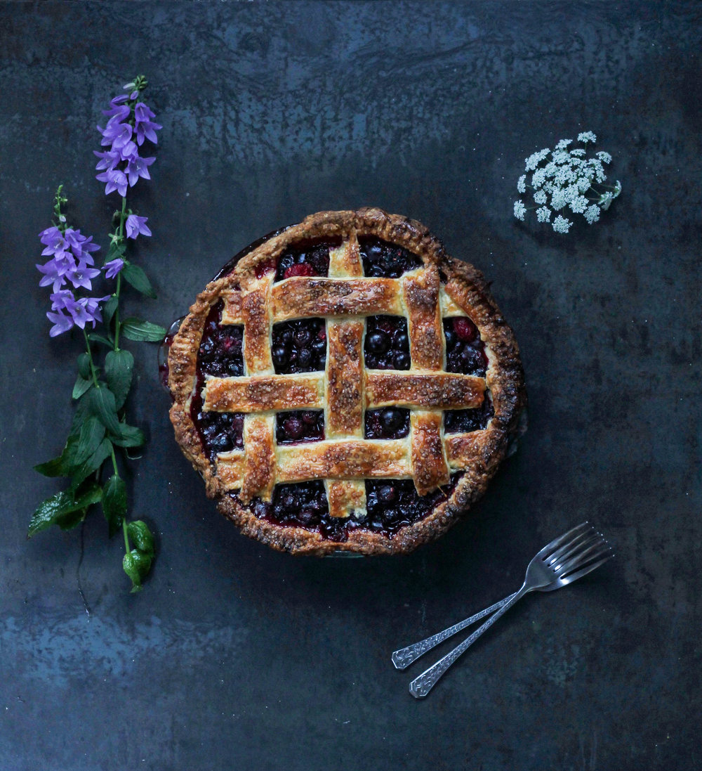 BUMBLEBERRY PIE: BLUEBERRY, BLACKBERRY + RASPBERRY