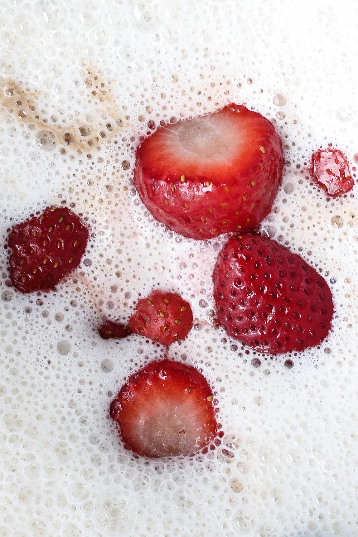 Strawberry Cashew Milk || All natural vegan nut milk made with fresh strawberries and no refined sugars. || creamandhoney.ca