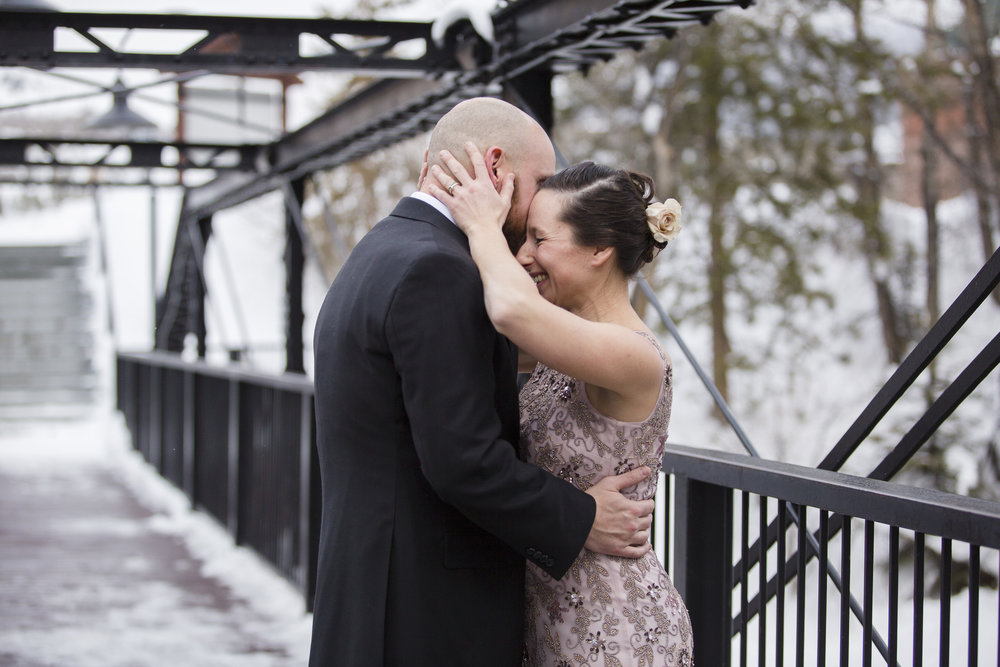 kristen-vance-silverthorne-pavilion-colorado-winter-wedding-2017.jpg