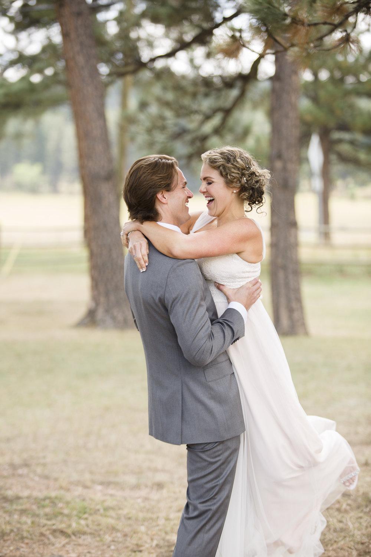 kristen-vance-three-sisters-barn-evergreen-colorado-wedding-2017-5.jpg