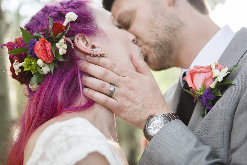 kristen-vance-wild-basin-lodge-allenspark-colorado-wedding-2017-2.jpg