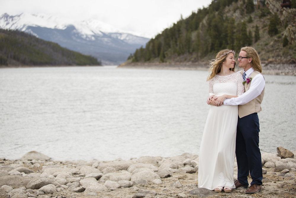 kristen-vance-sapphire-point-wedding-dillon-colorado-2017-2.jpg