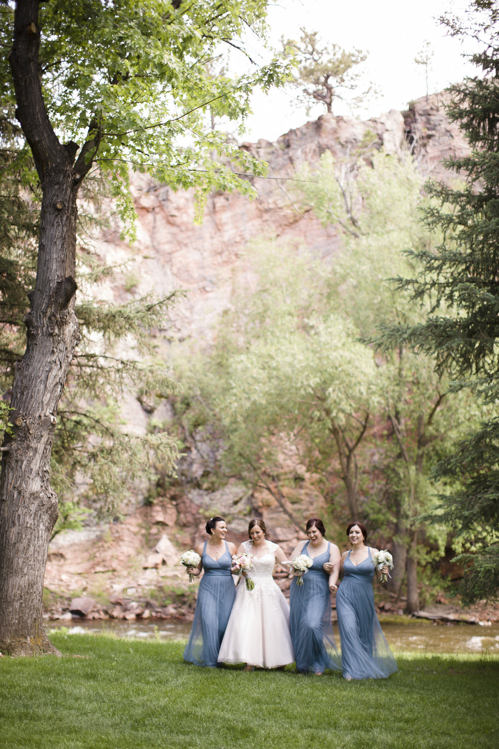 kristen-vance-riverbend-lyons-colorado-wedding-2017.jpg