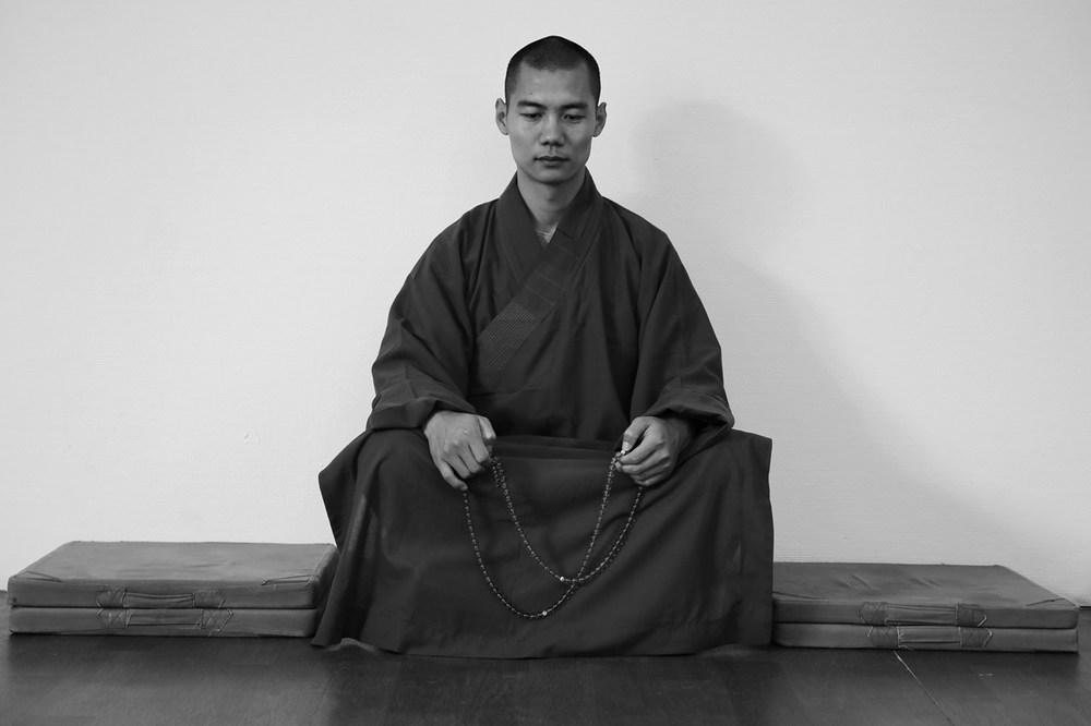shaolin-monk-meditating_15160590850_o.jpg