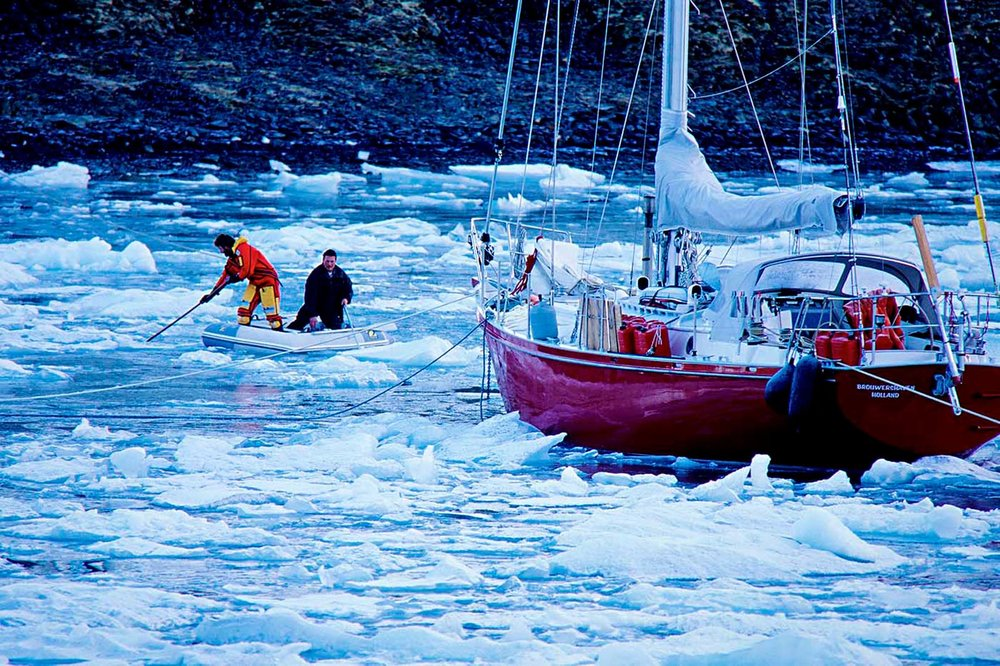 We came across some other adventures in the red hulled yacht 'Jonathan' which had been specifically designed with extra strengthening for sailing in the Arctic under these extreme conditions.