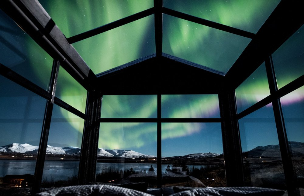 Panorama Glass Lodge Northern Lights