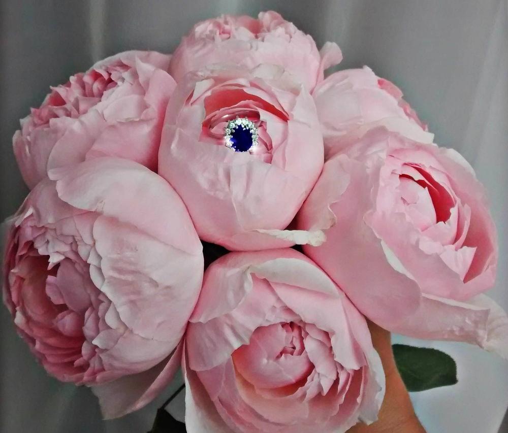 bruidsboeket met  roze pioenrozen.jpg