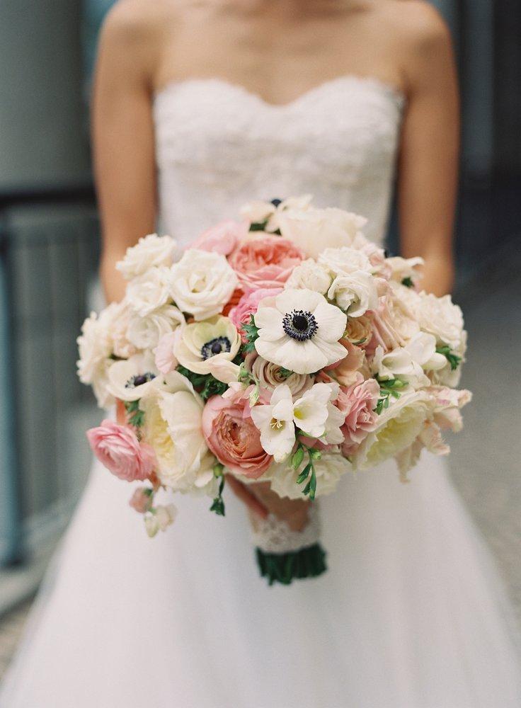 bruidsboeket met anemoon.jpg