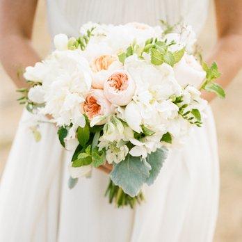 bruidsboeket met jasmaijn  en garden rozen.jpg