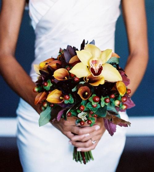 bruidsboeket met calla en orchideeenvia fabmood.com